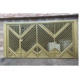 portão basculante fechado com social embutido valor Vila Suzana